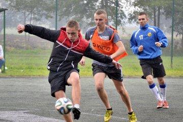 Futbolowy Dzie� Ch�opaka w Kaczkach. Pada�y...
