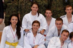 Wideo: Mundur�wka ZST stoczy�a b�j z judokami z...